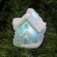 Стеклянный дом с подсветкой RGB декоративный 7*6.2*7см (GM3215-6)